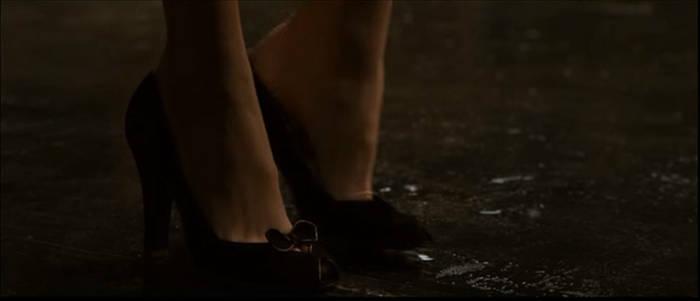Lois Lane's Foot 2