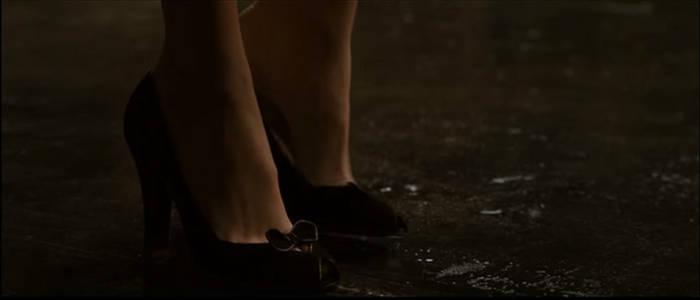 Lois Lane's Foot 7