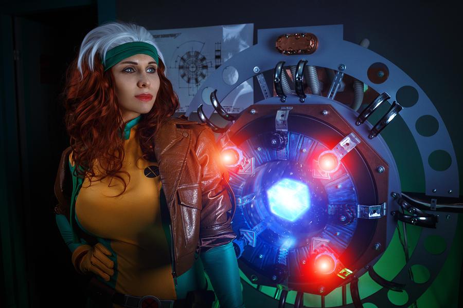 Rogue cosplay by elenasamko