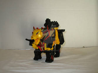 Transformers Customs 023B - Razorclaw by EchoWing
