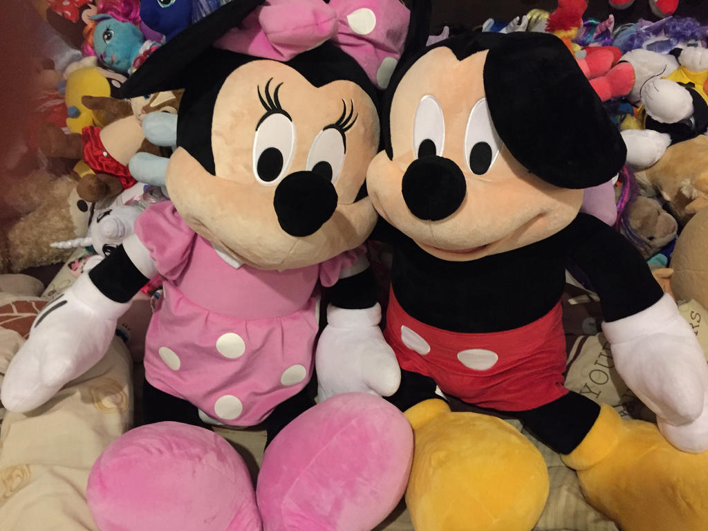 Mickey and Minnie pair  by angelicoreXX