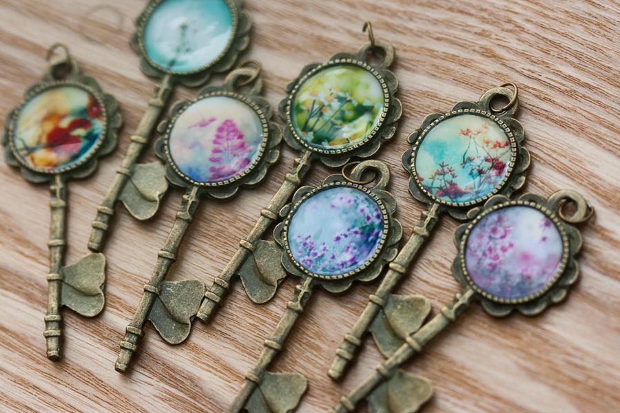 Secret Key Photo Necklaces by EmiNguyen