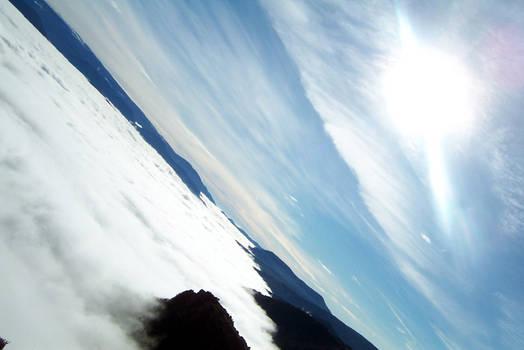 Sol sobre nubes