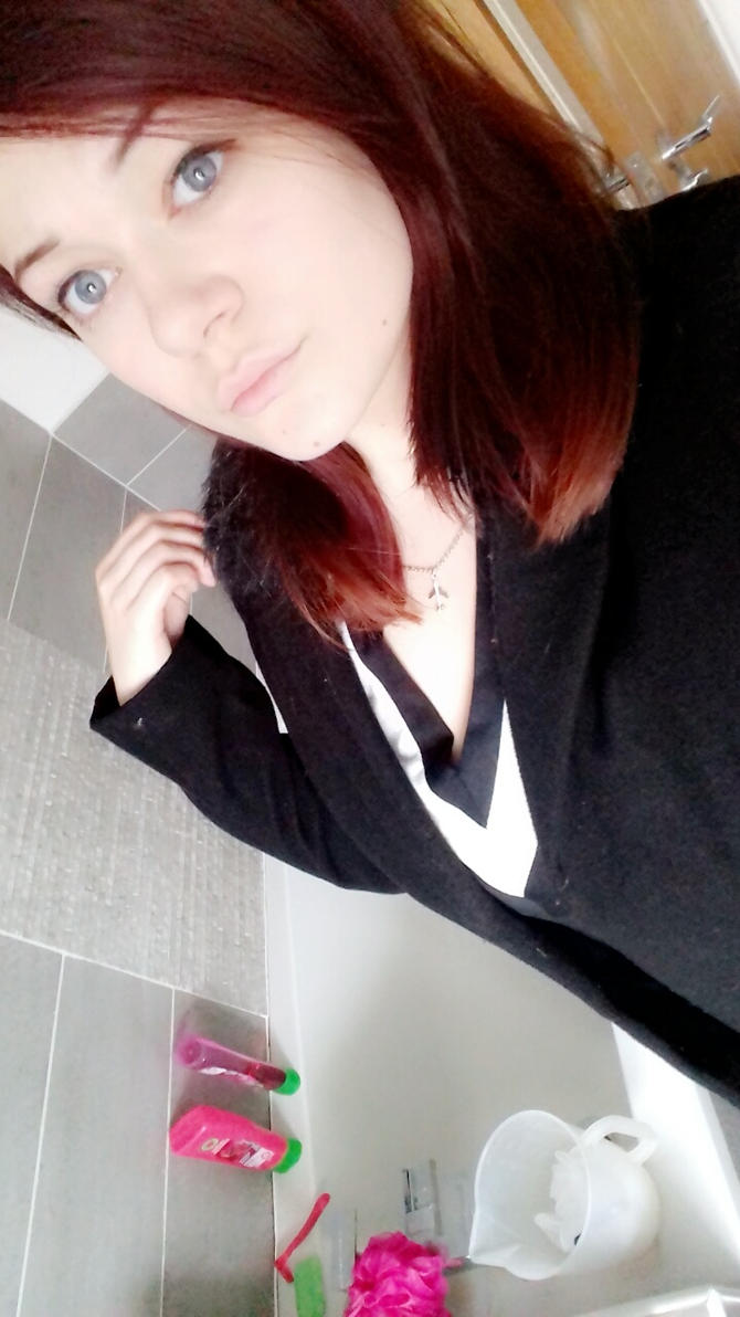 Me2 by HannahLight