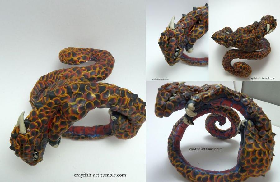 Dragon cuff bracelet by Pythiadelphie