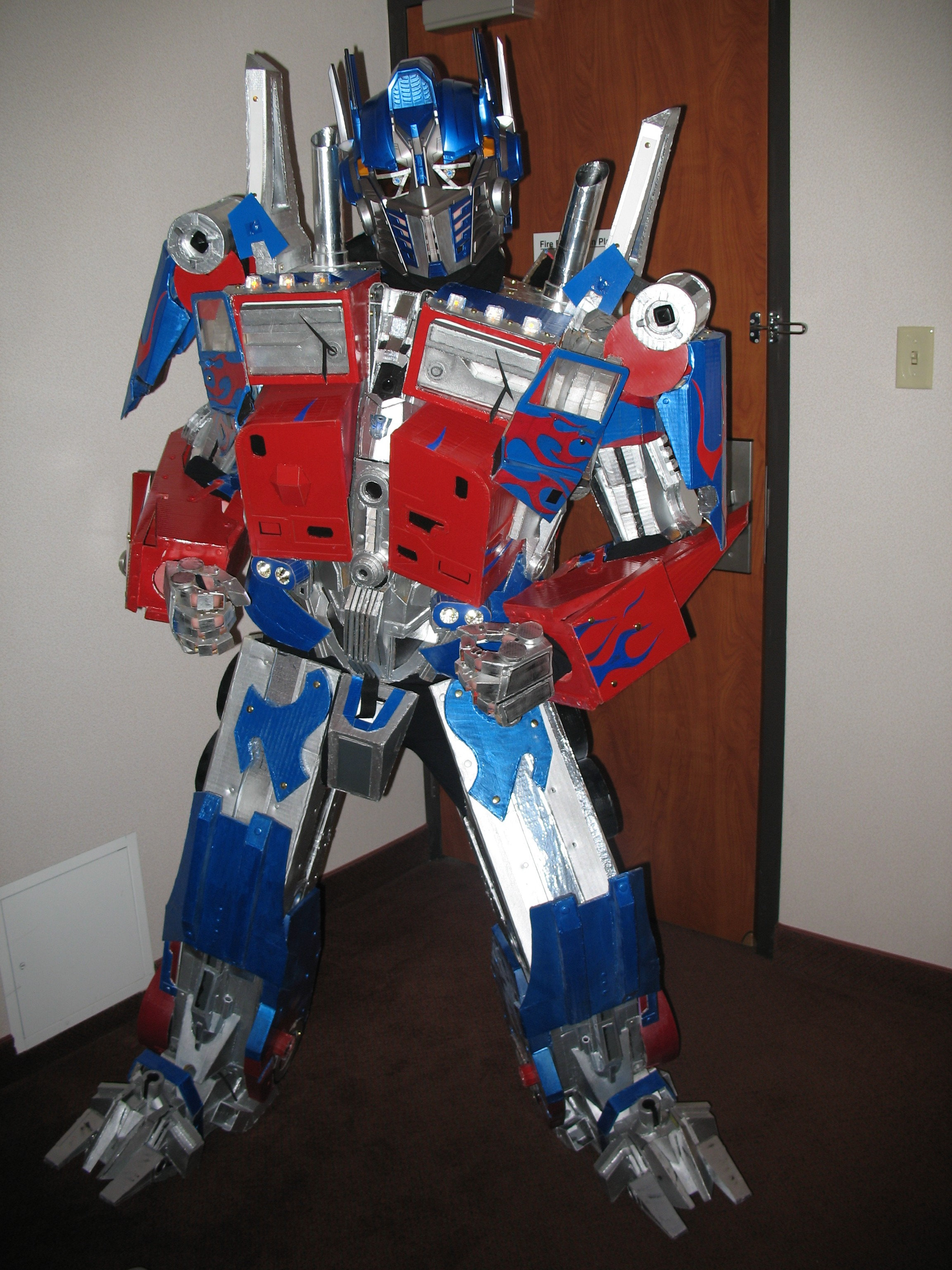 optimus_prime_cosplay_costume_by_TIMECON.jpg