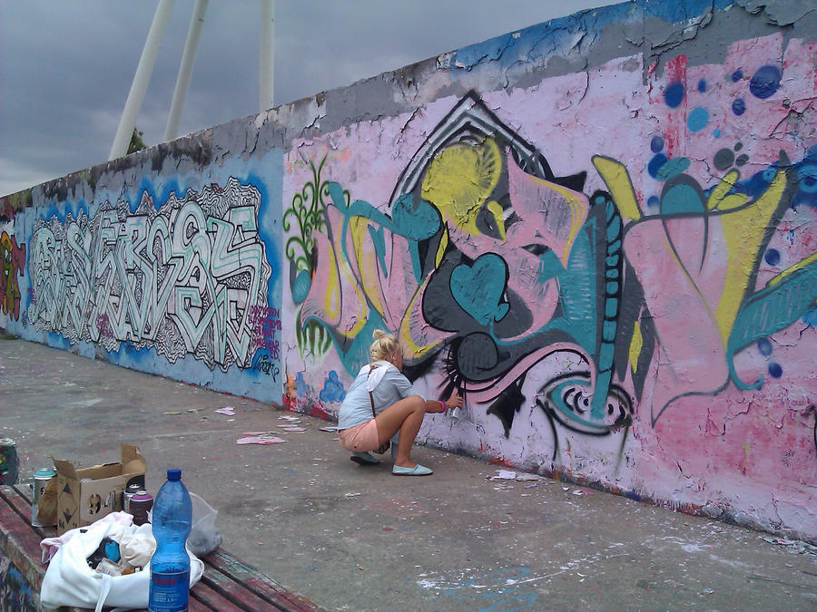 term paper on graffiti This paper discusses graffiti as a social phenomena and an art form graffiti is the plural noun form of the word graffito which means to scratch, to scribble or.
