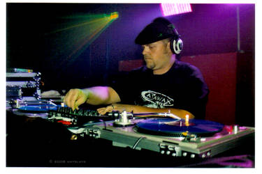 dJiMiX spinnin' the beats by xxemoxxstarxx