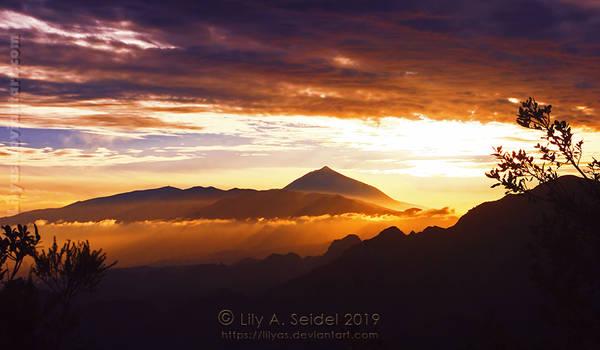 Pico del Teide of Tenerife by Lilyas