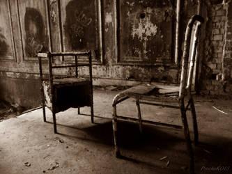 beelitz heilstaetten 31.10. V old chair by psychoko13