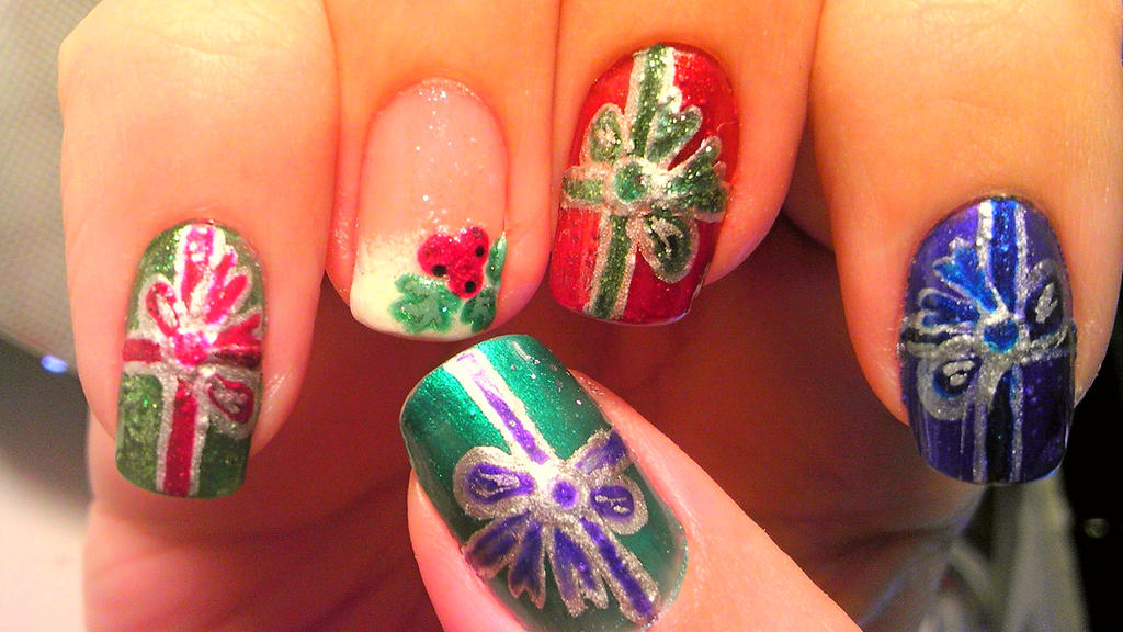 Christmas Present Nails W A Mistletoe French Tip By Wolfgirl4716 On