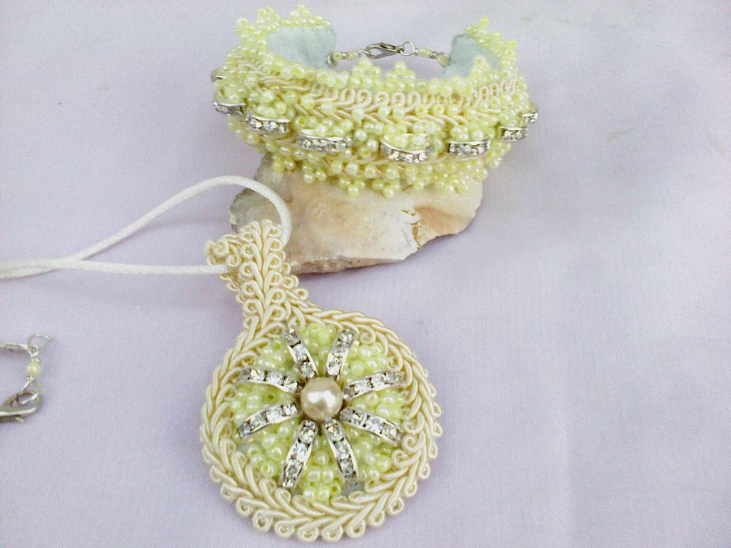 Wedding jewelry bracelet and pendant by Mirtus63