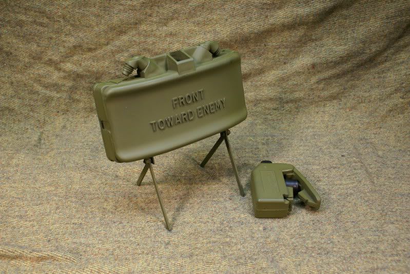 claymore_mine_by_matsucorp-d3ay68q.jpg