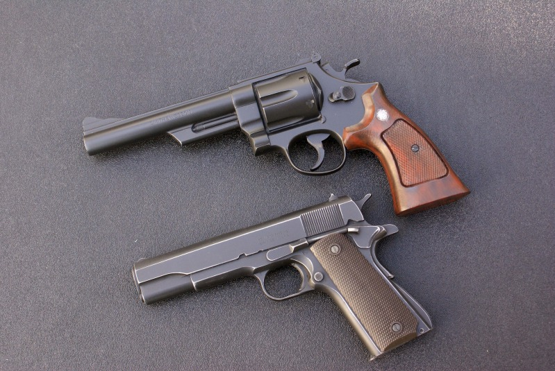 Smith M29 Compared to 1911 by Matsucorp