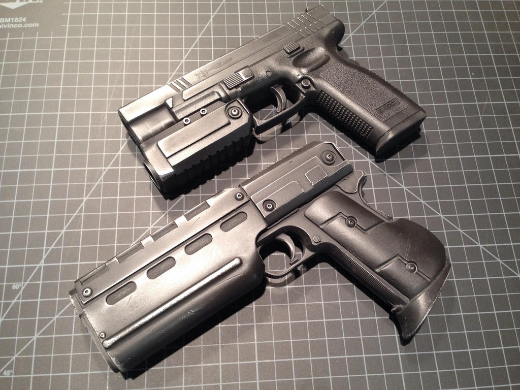Custom sci fi blasters by Matsucorp
