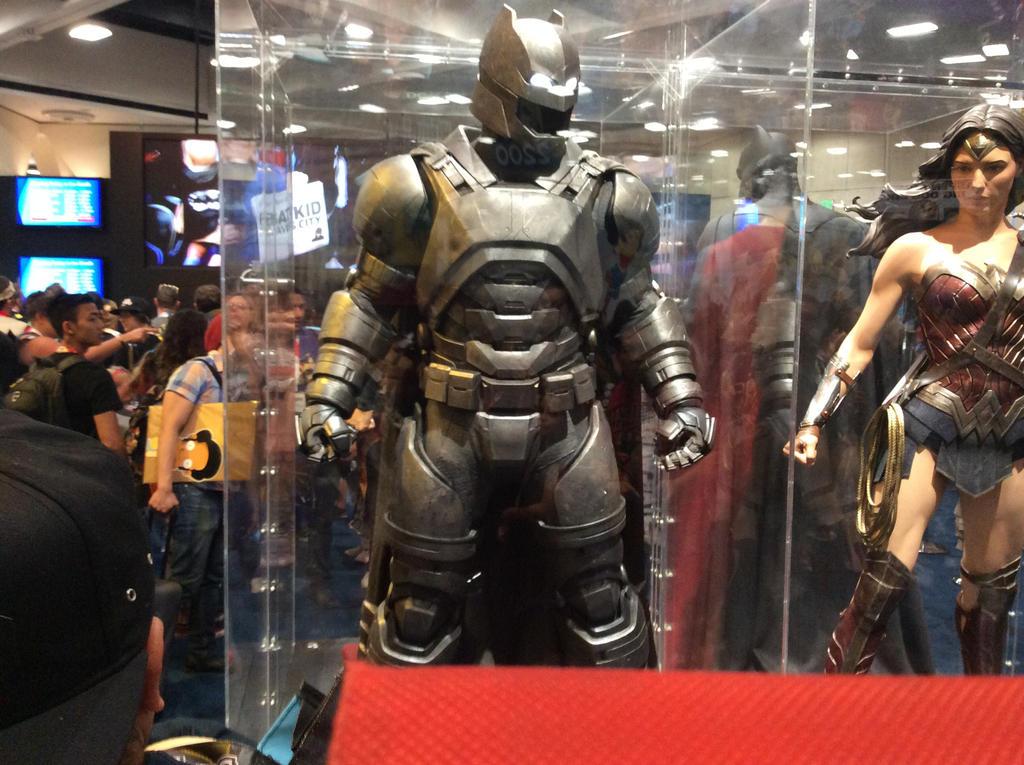 Batman v superman costumes batman mech suit by steel170 on ...