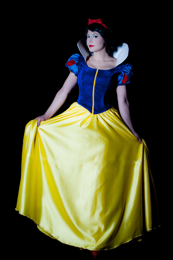 Snow White by NadiaSK