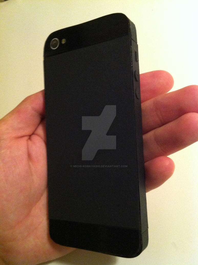 iPhone 5 Papercraft Mockup (In Hand) by michi-kobayashi