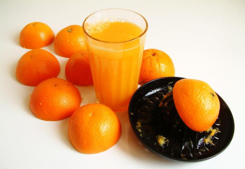 Orange juice by Titareco