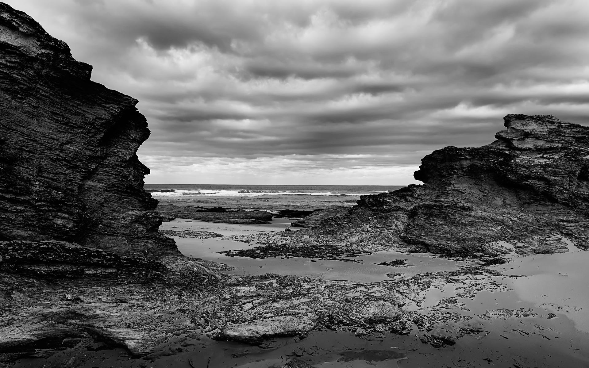 Black Rocks by Vraxor22 on DeviantArt