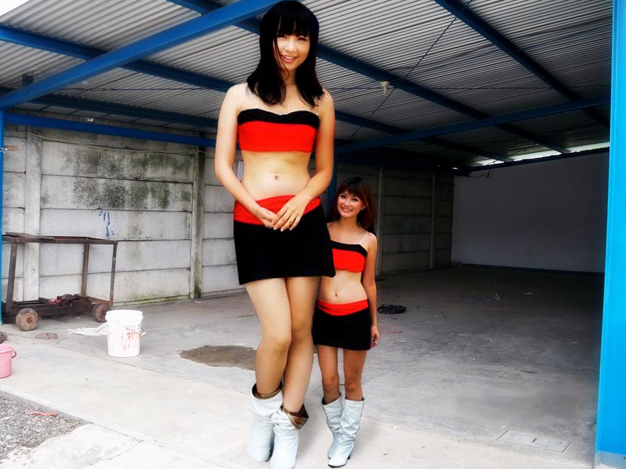 Mini Giantess Asain by Redleaper
