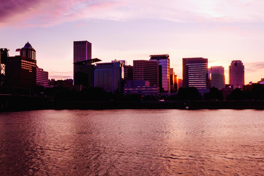 Portland Skyline by dellamort