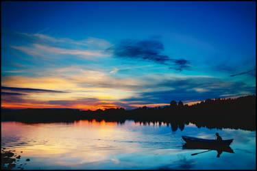 a Boat at the Sunset by jjuuhhaa