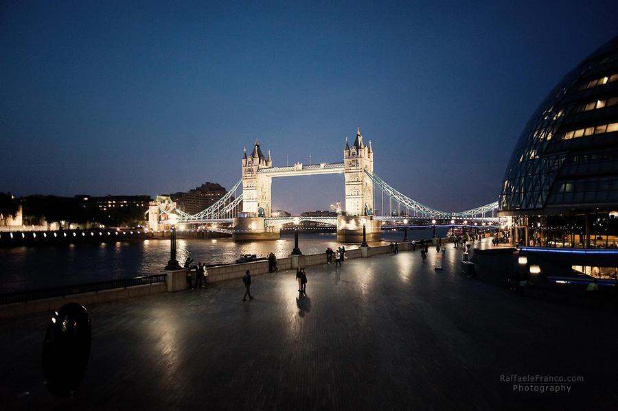 London 05 by blackandecker
