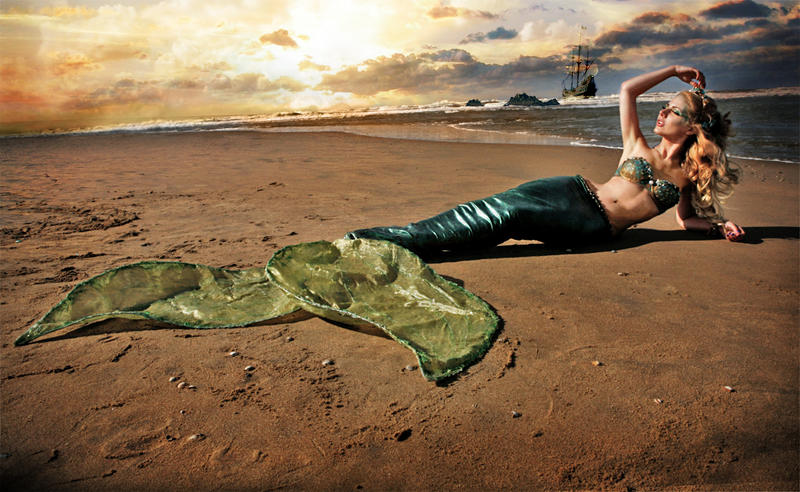 Mermaid Treasaria by Jolien-Rosanne