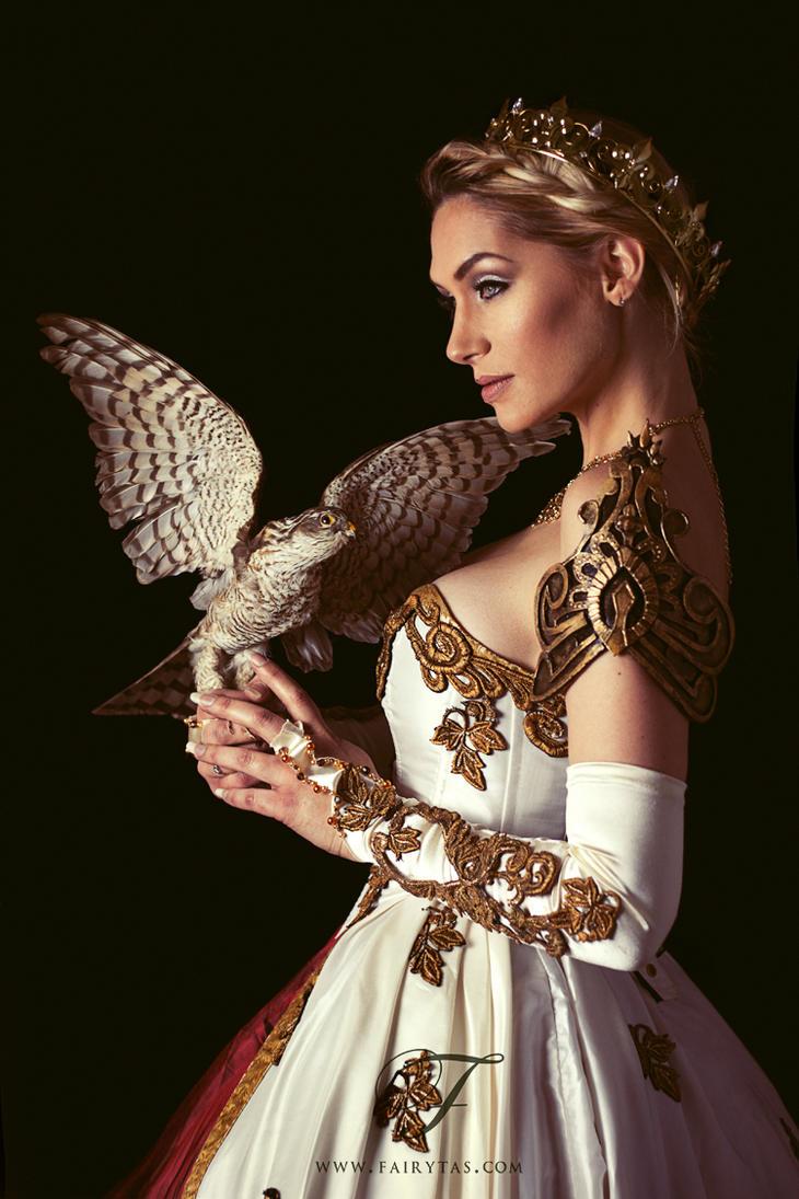 La Reine by Jolien-Rosanne
