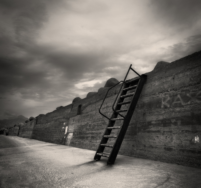 Ierapetra wall... by denis2