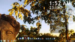 Simple Rainmeter desktop by TomRolfe