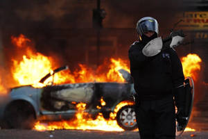 London Riots fun by TomRolfe