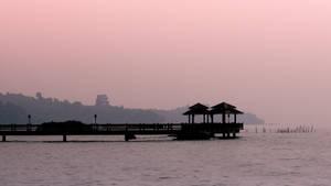 Setting sun round the bay by amiyain