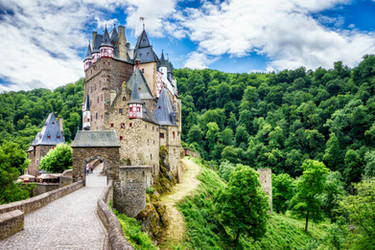 Castle Eltz by wolfblueeyes