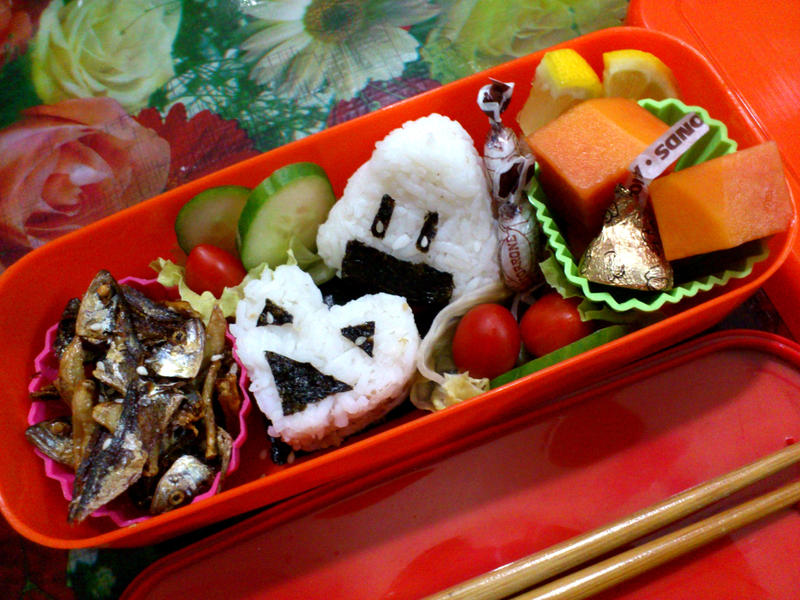 Crispy Sakana Onigiri Love Bento 2 by plainordinary1