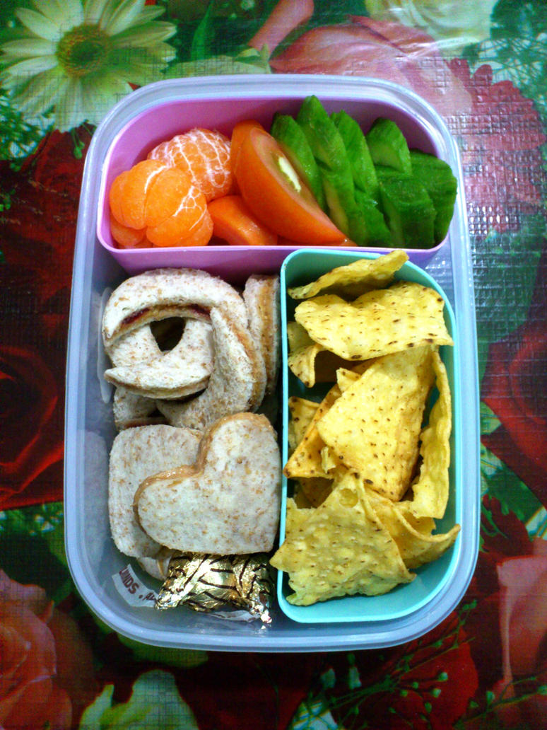 wholegrain pnutbuttr jelly tuna sandwich bento by plainordinary1