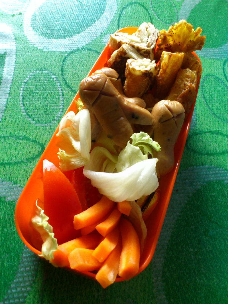 potato wedges tamagoyaki takowiner bento 2 by plainordinary1