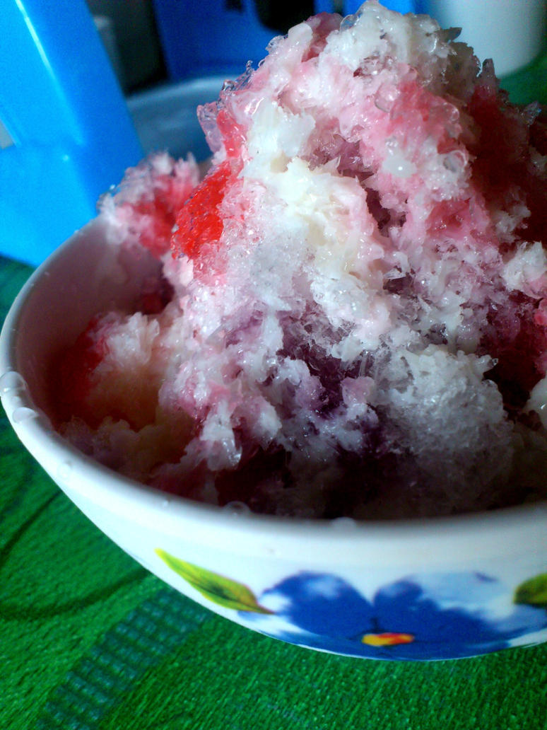 colorful snow cone by plainordinary1