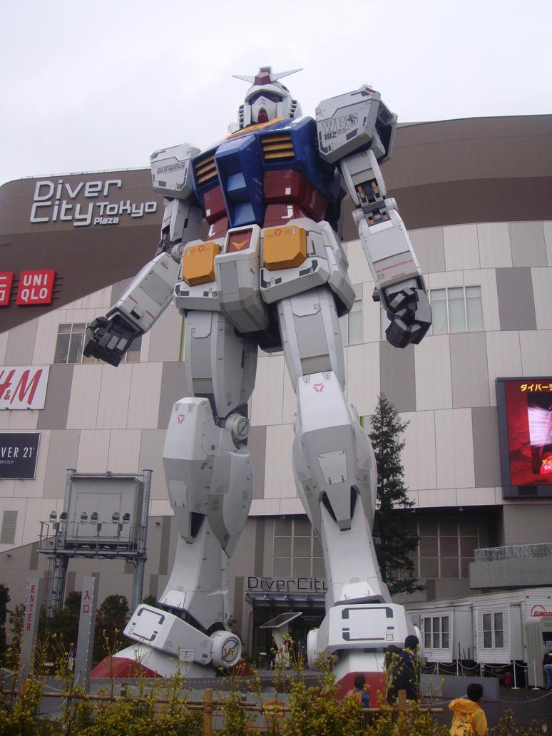 Gundam statue in Odaiba by plainordinary1
