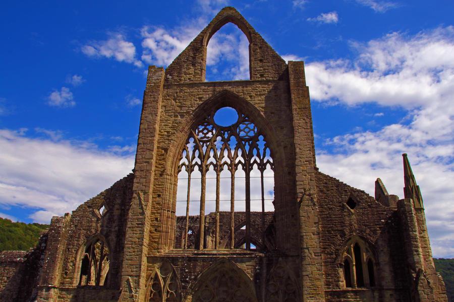 Tintern Abbey by CharlotteTheDeranged