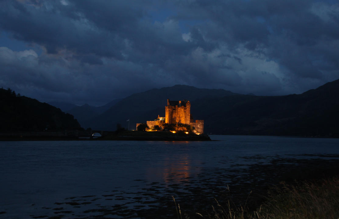 The other side of Eilean-Donan by CharlotteTheDeranged