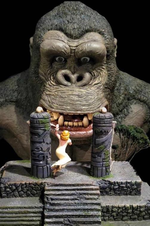 King Kong and Bride Photo Shop by Jennaikikz