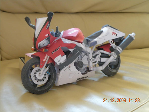 Yamaha YZF-R1 Origami by multicolour