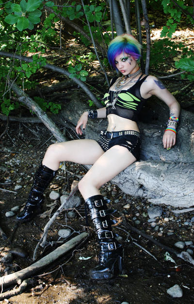 Envy Kitty by UndercoverEnvy