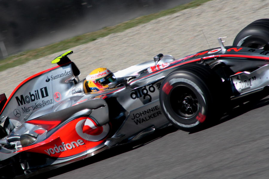 F1 Qualifying Hamilton by luis75