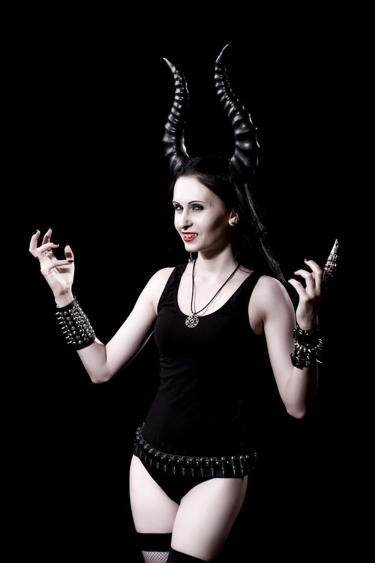 Black Metal Girl by AshielNeronamyde