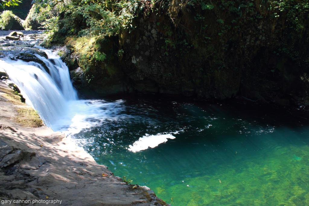 Eagle Creek Pool by worldtravel04