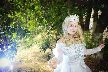 Glinda The Good Witch Of The South by leviceversailles