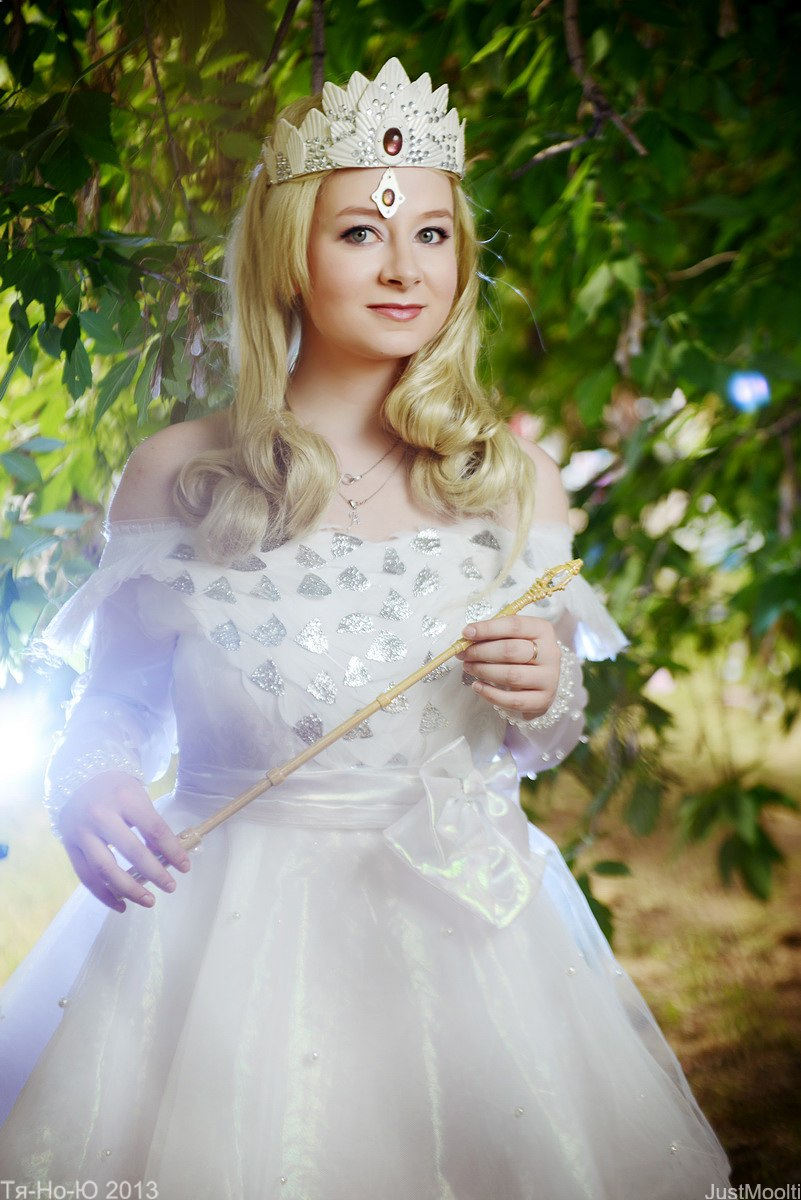 oz the great and powerful cosplay glinda the good by